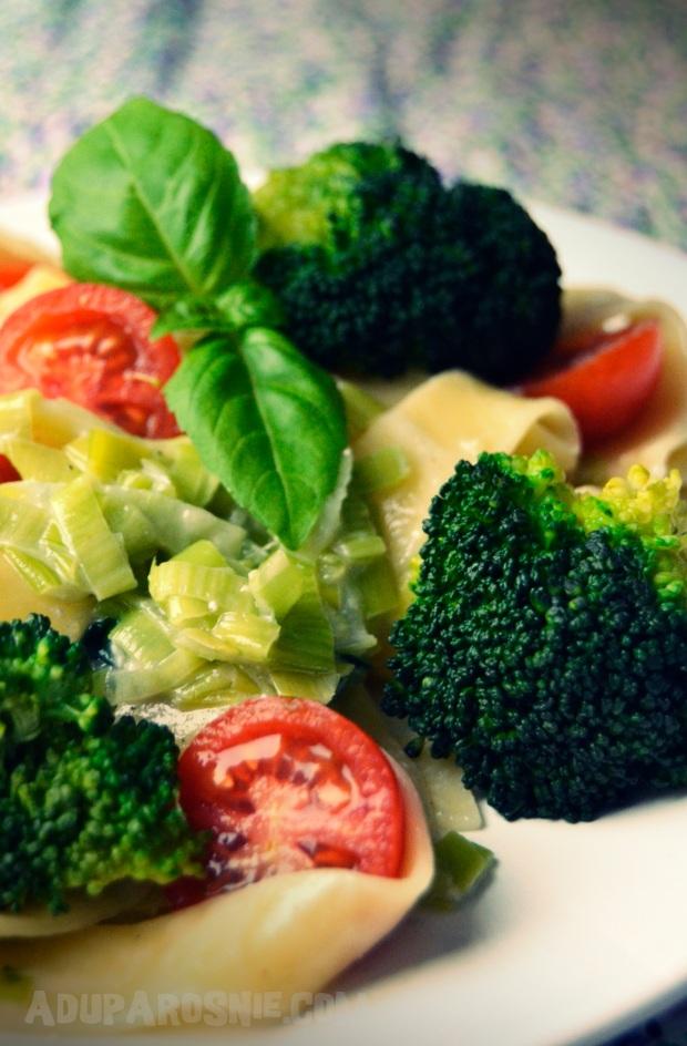 Pappardelle w sosie serowo- porowym z brokułami 2