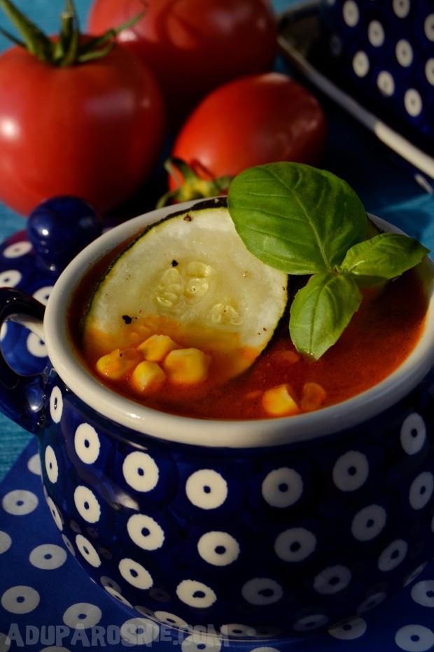 Zupa z pomidorami, pieczoną cukinią i kukurydzą (2)