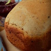 Słodki chleb z rodzynkami (z maszyny)